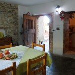 Rustic communal kitchen - Italy Country Stay